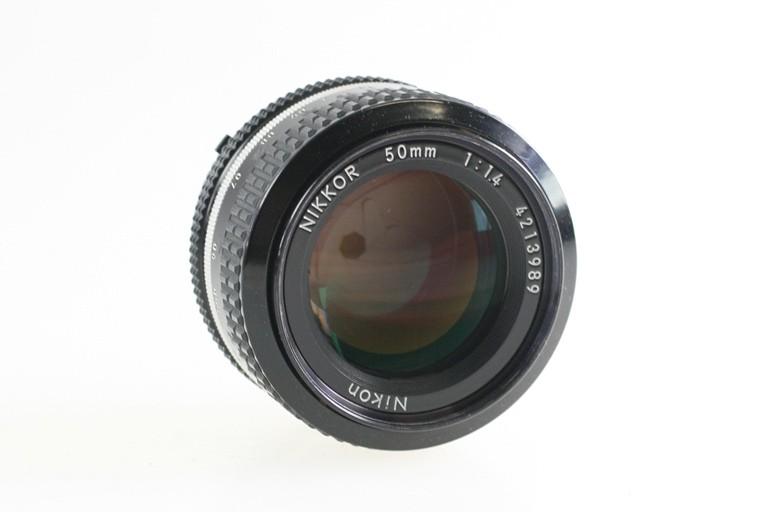 Nikon-Nikkor-50mm-50-mm-1-1-4-1-4-lesen